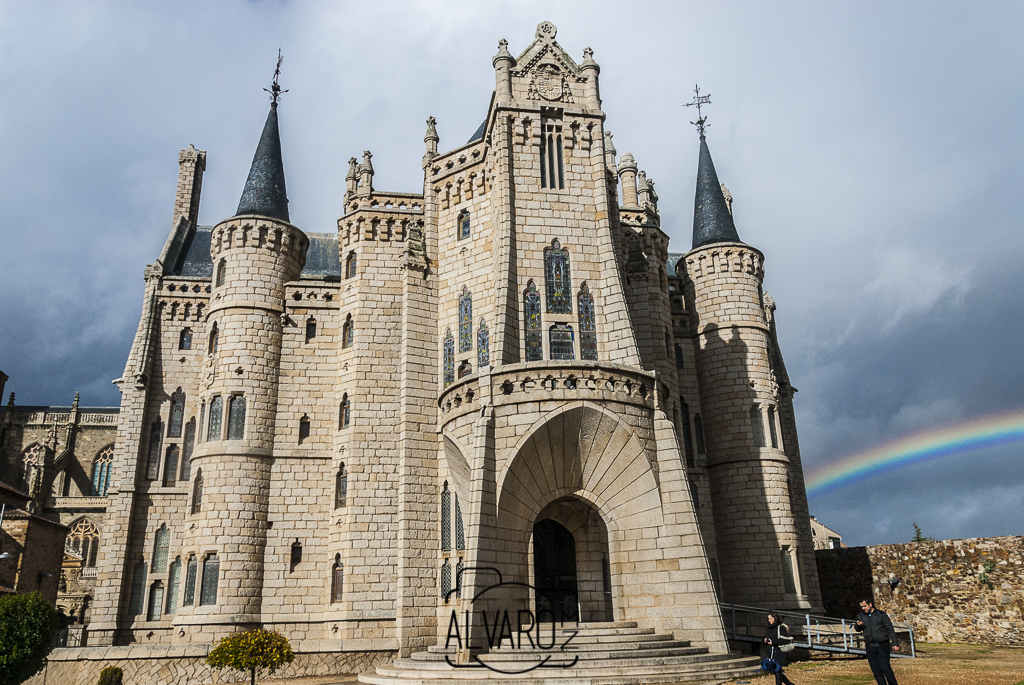 palacio-gaudi-astorga-9304